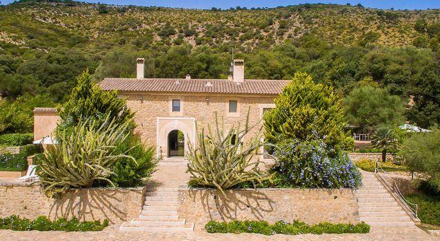 Cadernera Villa