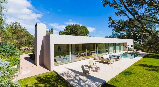 The Oblong Villa