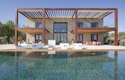 Find your perfect villa to rent